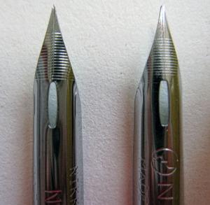 スクールペンは穴の形が少し違うな。
