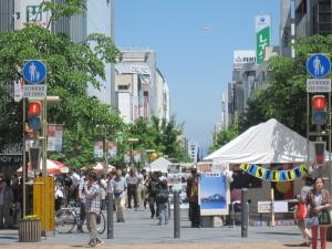 今日は少し人通りが多い!